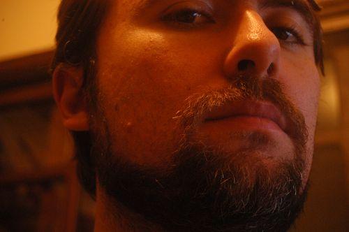 Barba por fazer