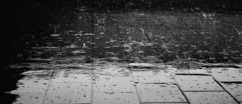 Ano novo e chove lá fora