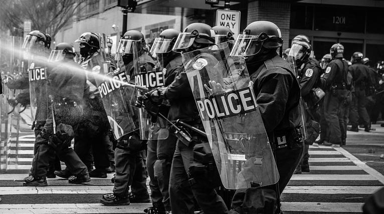 Polícia para quem precisa