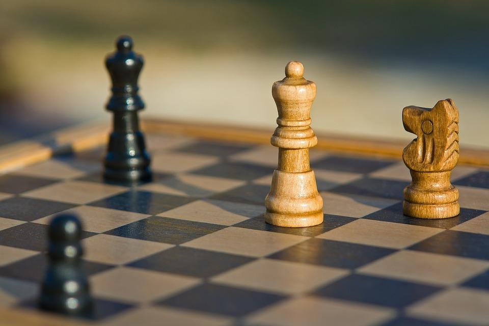 Para os amantes de xadrez, um magnífico xeque-mate de Magnus Carlsen, aos 12 anos